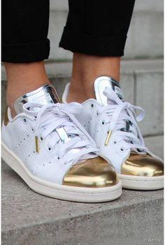 Trendy scarpe da donna: adidas originali gazzella og bianco & nero