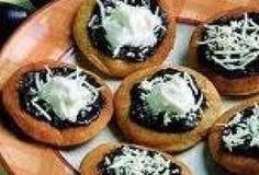 Jak udělat venkovské pečené vdolky   JakTak.cz Snack Recipes, Dessert Recipes, Snacks, Desserts, Czech Recipes, Sweet And Salty, Cheesecake, Food And Drink, Sweets