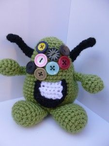 Algae Monster - Free Amigurumi Pattern http://www.gooddaycrochet.com/pattern-crochet-algae-monster/