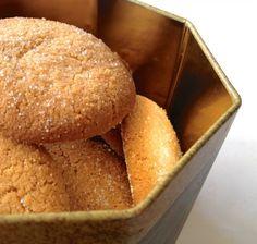 Sinner Sunday: Amandelkoekjes Dutch Recipes, Sweet Recipes, Healthy Baking, Healthy Recipes, Healthy Food, Almond Meal Cookies, Good Food, Yummy Food, Perfect Food