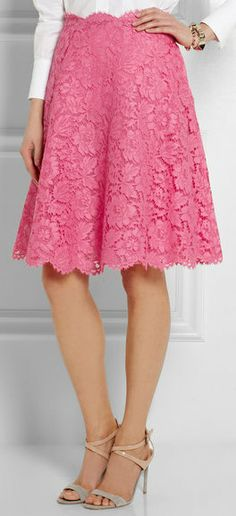 Valentino Lace Skirt - I want this and those pink heels with the bows from earlier.