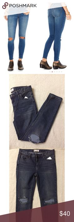 Free People Destroyed Skinny Jeans NWT. Perfect condition. Size 28. Free People Jeans Skinny