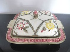 WEDGWOOD Floral MAJOLICA 19th Century Covered Serving Dish Bowl