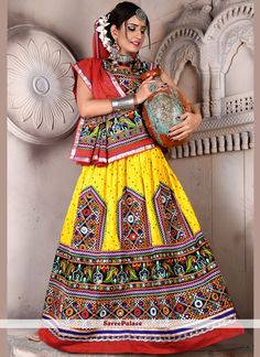 buy lehenga choli online from our extensive collection of indian wear. Buy this sonorous embroidered and fancy work lehenga choli for festival. Garba Chaniya Choli, Garba Dress, Navratri Dress, Bridal Lehenga Online, Lehenga Choli Online, Indian Fashion Dresses, Indian Outfits, Chanya Choli, Namaste India