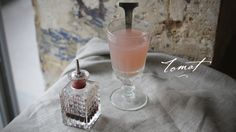 To make a Tomat, you only need  1½ parts of Pernod Absinthe, 1 teaspoon of Grenadine and Chilled water
