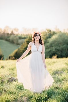Carroll County Maryland Senior Portrait Photographer and Equine Photographer Senior Portrait Outfits, Senior Portraits, Carroll County, White Maxi, Becca, Couple Photography, Portrait Photographers, Style Guides, What To Wear