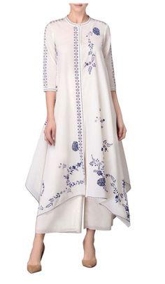 Shop AMPM White asymmetric hem kurta with palazzos , Exclusive Indian Designer Latest Collections Available at Aza Fashions Pakistani Dresses, Indian Dresses, Indian Outfits, Kurta Designs Women, Blouse Designs, Dress Designs, Vestidos Color Blanco, Floryday Vestidos, Mode Abaya