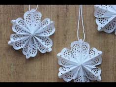Paper Doily Crafts, Doilies Crafts, Paper Doilies, Diy Christmas Snowflakes, Christmas Wood, Christmas Decorations, Christmas Ornaments, Easy Christmas Crafts For Toddlers, Toddler Crafts