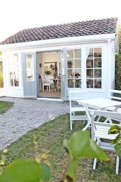 Inspirational backyard studio and office ideas (48) - Decornamentation.com