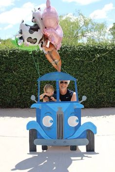 1x1.trans Throw a Little Blue Truck (the book) Party! Farm animal balloons on a truck cut out.