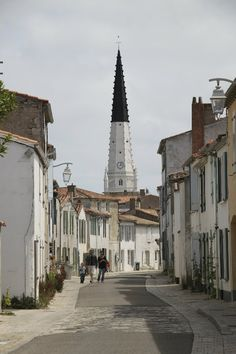 Ile de Ré Style /Martine Haddouche/ Oh The Places You'll Go, Places To Travel, Places Ive Been, Beautiful Sites, Beautiful Islands, Belle France, Poitou Charentes, France Travel, West Coast