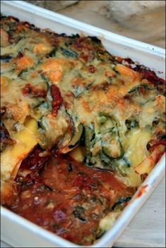 Zucchini, tomato and goat cheese lasagna ~ Happy taste Lasagnes aux courgettes, tomates et chèvre ~ Happy papilles Zucchini, tomato and goat cheese lasagna ~ Happy taste buds - Healthy Dinner Recipes, Vegetarian Recipes, Cheese Lasagna, Batch Cooking, Vegetable Dishes, Vegetable Recipes, Food Inspiration, Love Food, Food Porn