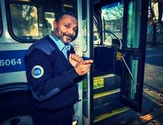 This bus driver learned sign language to communicate with his deaf passengers