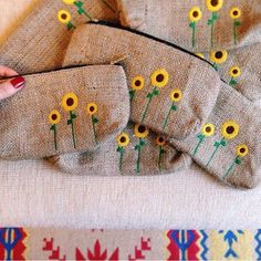Eco Friendly Cute Burlap Pencil Case, Zipper Pencil Pouch, Cool Pencil Case for Kids, Pencil Bag with Sunflower - Sunflower pencil case made from eco-friendly burlap fabric - Cool Pencil Cases, Diy Pencil Case, Pencil Bags, Pencil Pouch, Pencil Dress, Embroidery Bags, Embroidery Patterns, Burlap Crafts, Fabric Crafts