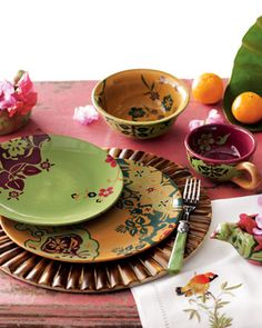 """Tracy Porter """"Corvina"""" Dinnerware makes me think of serving South East Asian cuisine. like a modern dinner party in Bali! Asian Dinnerware, Christmas Dinnerware, Tracy Porter, Dressing Your Table, Table Top Design, Embroidered Bird, Pottery Making, Tabletop, Decorative Plates"""