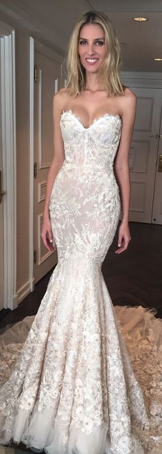 mermaid sweetheart wedding dresses, lace wedding gowns with court train.