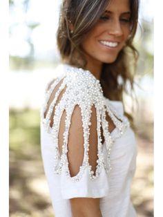 Já que estamos na semana de moda mais famosa do Brasil, separei várias inspirações que misturam moda e artesanato. O processo criativo, as cores, as técnicas e os suprimentos são muito parecidos e quando os dois se juntam, o resultado fica ainda mais bonito. Inspire-se: Calça jeans colorida Navegando pela internet me deparei com essa…