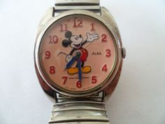 Currently at the auctions: Alba 'Mickey Mouse' – unisex wristwatch Retro Watches, Pocket Watch, Mickey Mouse, Auction, Unisex, Accessories, Pocket Watches, Baby Mouse