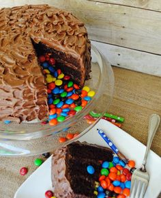 The cake that keeps on giving...a Pinata cake filled with delicious M&M's!!  #kidscakes