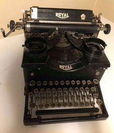 Antique Royal #Typewriter Good Condition Tested #Royal Underwood Typewriter, Royal Typewriter, Portable Typewriter, Black Metal, Conditioner, Antiques, Ebay, Vintage, Antiquities