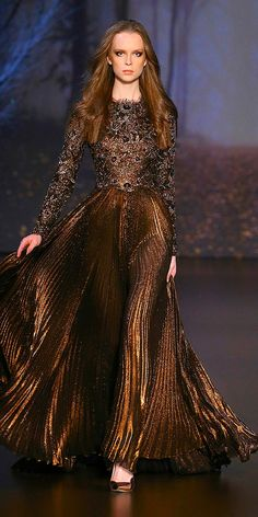 Crush of the Week: Ralph & Russo Autumn/Winter Couture Collection — Très Haute Diva Fashion Mode, Fashion Week, Couture Fashion, Runway Fashion, Emo Fashion, Ralph & Russo, Fantasy Dress, Couture Collection, Mode Style