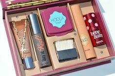 Benefit Do The Hoola Beyond Bronze Kit....wish I had this