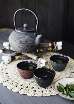 My cup off tea :) beautyful iron theepots from Madam Stoltz. You can find them in our online shop.