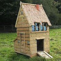 PREMIUM QUALITY HAND MADE THATCHED POULTRY /CHICKEN COOP, THE CROFT