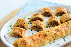Australian Sausage Rolls-Boy are you in for a treat! These sausage rolls taste even better than they look. The recipe was given to me by James, who was an A. Aussie Food, Australian Food, Australian Recipes, Savory Pastry, Puff Pastry Recipes, Savoury Pies, Empanadas, Tapas, Good Food