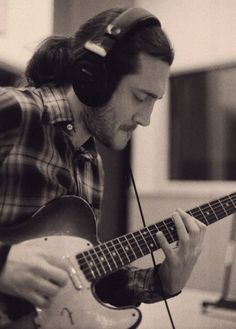 See John Frusciante pictures, photo shoots, and listen online to the latest music. John Frusciante, Rock N Roll, Divas, Jane's Addiction, Best Guitarist, Hottest Chili Pepper, Rock Legends, Music Film, Music Guitar
