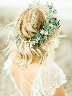 Wedding Styles Coastal United Kingdom Wedding Inspiration More - This Coastal United Kingdom Wedding Inspiration from Belle and Beau Photography features Raw flowing wedding dresses and utterly gorg florals from Lucy MacNicholl. Short Wedding Hair, Wedding Hair And Makeup, Trendy Wedding, Wedding Styles, Dream Wedding, Wedding Beach, Wedding Things, Wedding Pics, Bride With Short Hair
