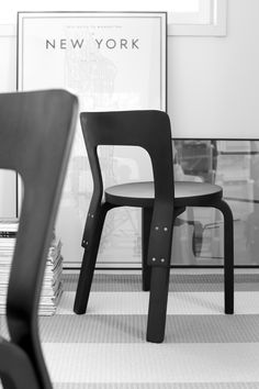 Artek Monochrome Interior, Black And White Interior, Black And White Love, Nordic Home, Scandinavian Home, Wood Chair Design, Furniture Design, Living Room Inspiration, Interior Inspiration