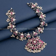 South India, Necklace Designs, Indian Jewelry, Bridal Jewelry, Jewlery, Gold Necklace, Brooch, Stone, Interior Design