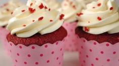 Red Velvet Cupcakes Recipe Demonstration - Joyofbaking.com - YouTube