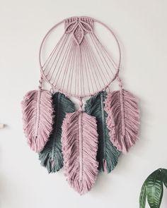 Rope Crafts, Shell Crafts, Yarn Crafts, Macrame Projects, Diy Craft Projects, Crochet Projects, Macrame Wall Hanging Patterns, Macrame Patterns, Dream Catcher Craft
