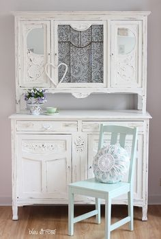 1000 images about shabby chic buffets hutches cabinets on pinterest shabby chic china. Black Bedroom Furniture Sets. Home Design Ideas