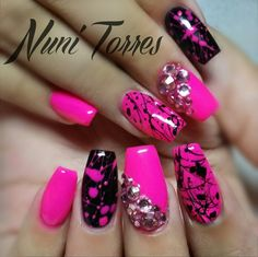 Hot pink splatter my crazy nails nails, splatter nails и tre Black Nail Designs, Short Nail Designs, Nail Polish Designs, Acrylic Nail Designs, Nail Art Designs, Glam Nails, Bling Nails, Beauty Nails, Pink Black Nails