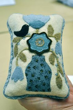 Pin Cushion-I need this!  I have been having trouble keeping my pins where they belong!