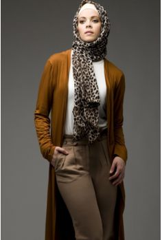 great mix of tone and pattern, I have worn this in red & pink tones