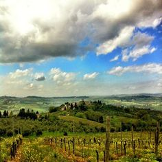 Pausa pranzo niente male… #igersfirenze #landscape #tuscany #clouds | by antoncino