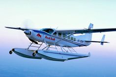 Red Bull Luftflotte - Flugzeuge & Helikopter Bild 39 - Motorsport