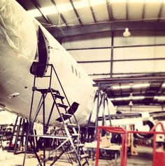 En mantenimiento de una de nuestras unidades. #Magnicharters #Avión #Aviación #Plane #B737 #737