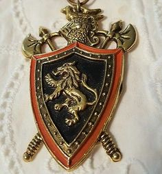Vtg Family Crest Pin Brooch on Hanging Ribbon Family Crest, Vintage Pins, Brooch Pin, Pocket Watch, Ribbon, Accessories, Jewelry, Brooch, Tape