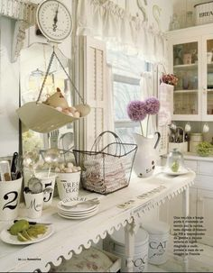 Vintage Kitchen - I especially love that table with the 'curly que' edging!!