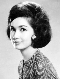 Susan Roces, Filipino actress in film and television, 1960s #kasaysayan #geni #HERstory Filipina Actress, Filipina Beauty, Beauty Makeup Tips, Beauty Skin, Hair Beauty, Classic Beauty, Timeless Beauty, Filipino Culture, Models Makeup