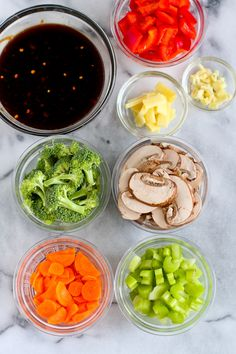 """How to use """"mise en place"""" for easy meal prep .Let's get the obvious question out of the way. What the heck is """"mise en place""""? It's a fancy French cooking term that means """"putting in place."""" It's simply the organization of ingredients that you. Fun Cooking, Cooking Tips, Cooking Recipes, Cooking Classes, Cooking Lamb, Cooking Stuff, Cooking Turkey, Healthy Recipes, Cooking Light"""