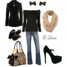 Outfit de invierno con una polera negra, jean y accesorios
