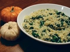 Spinach and Orzo with Gruyére - Dulcedo  http://dulcedoblog.blogspot.com/2007/10/sleepy-spinach.html