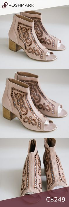 Ron White Nude Pink LAser Cut Peep Toe Booties Super cute, nude pink, laser cut, peep toe, leather booties by Ron White. Marked Size: 39 | US 8.5 Made in Italy. Ron White Shoes Ankle Boots & Booties Black Leather Ankle Boots, Suede Ankle Boots, Leather Booties, Leather Heels, Ankle Booties, Bootie Boots, Ron White Shoes, Rockport Shoes