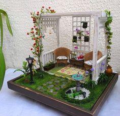 All handmade: birds hummingbird plants birdhouse wind bell drinking fountai Miniature Crafts, Miniature Houses, Barbie Furniture, Dollhouse Furniture, Craft Stick Crafts, Diy And Crafts, Dollhouse Landscaping, Hummingbird Plants, Miniature Orchids